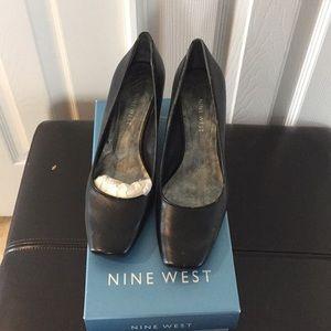 Nine West black wedge heels never worn size 6.5